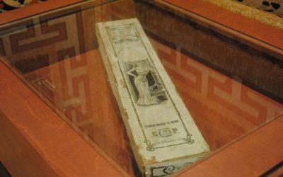 Capsa de cotilla. Finals del segle XIX.  Museu d'Alcover